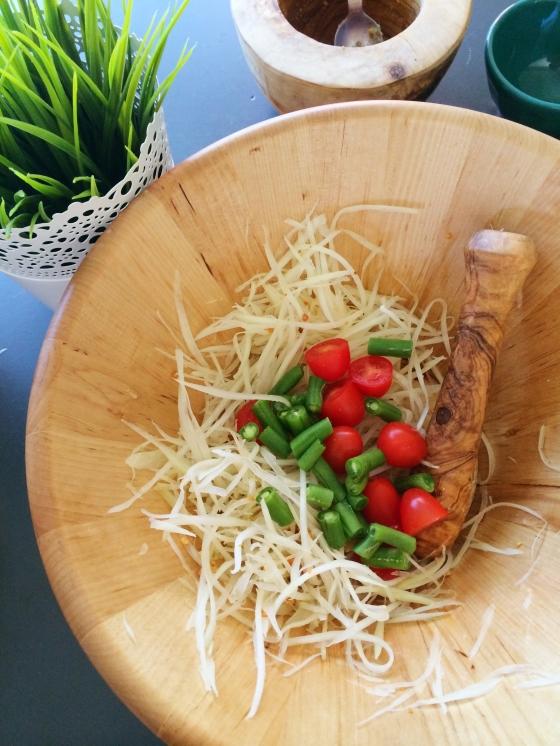 Som Tum (Thai Papaya Salad)